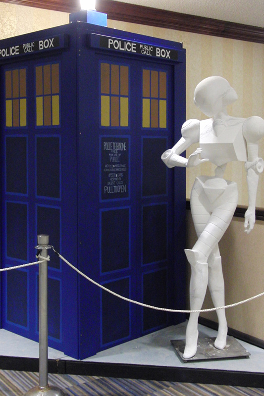 CONvergence 2016 Connie & TARDIS_800.jpg
