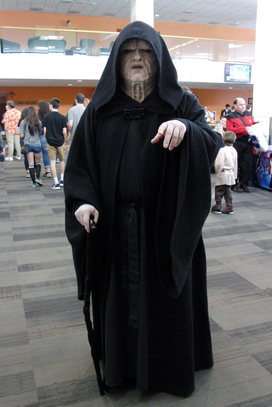 Silicon Valley Comic Con 2017_Emperior Palpatine coplay_800