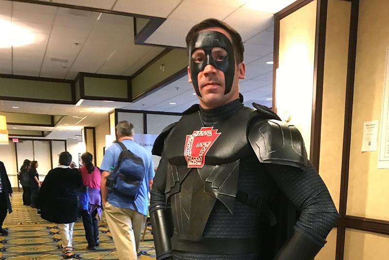 Gallifrey One 2018 Ghost cosplay_800