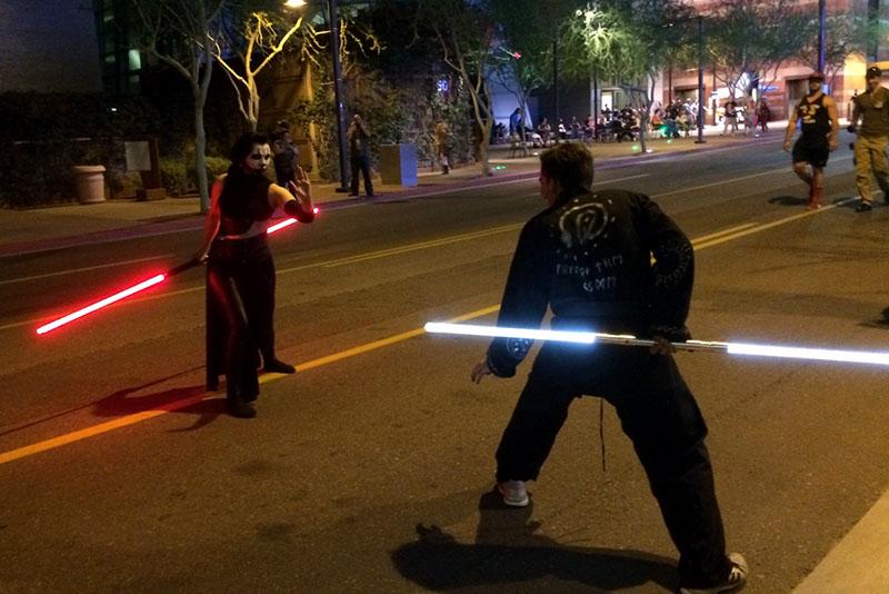 Phoenix Comicon 2015 Saber Duel_800.jpg