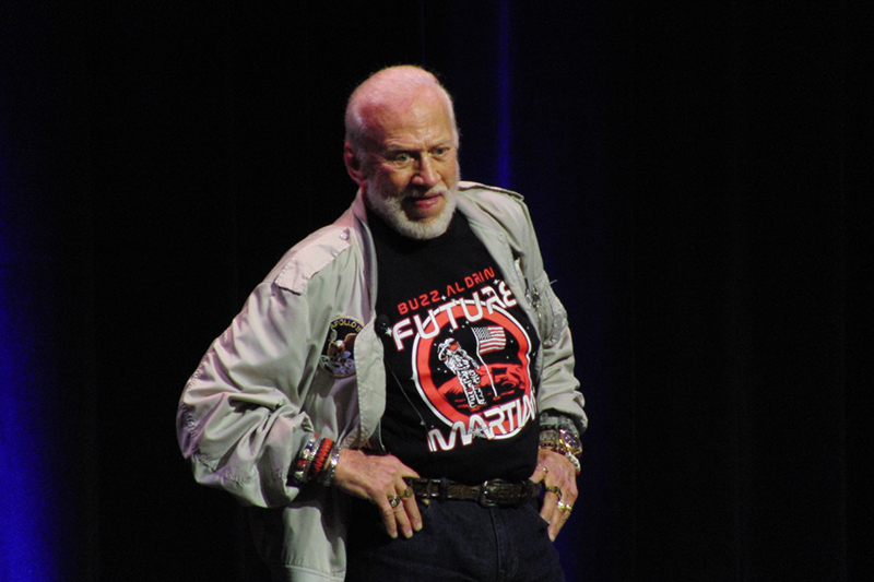 Silicon Valley Comic Con 2017_Buzz Aldrin (1)_800