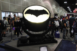 WonderCon 2016 Lego Bat signal_800.jpg