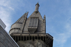 Wizarding World of Harry Potter Hollywood Hogwarts_800.jpg