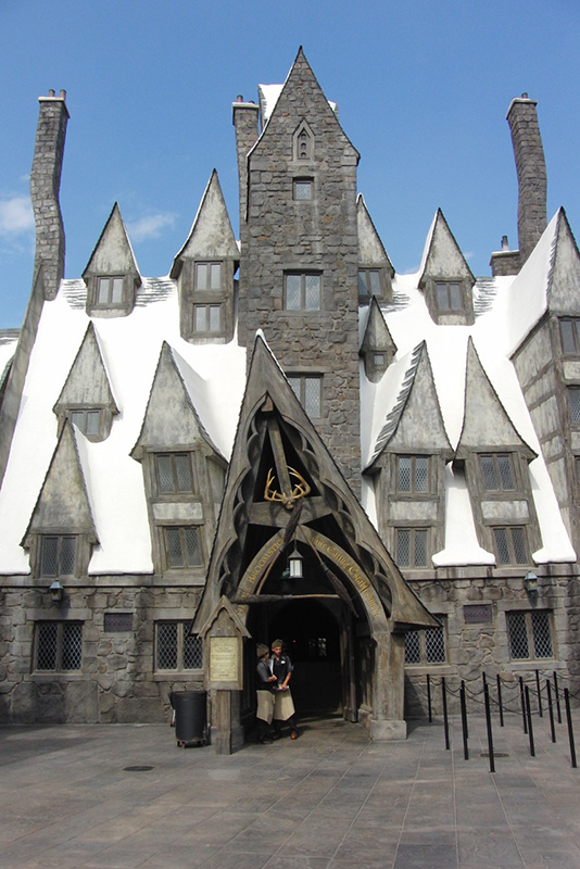 Wizarding World of Harry Potter Hollywood Three Broomsticks_800.jpg