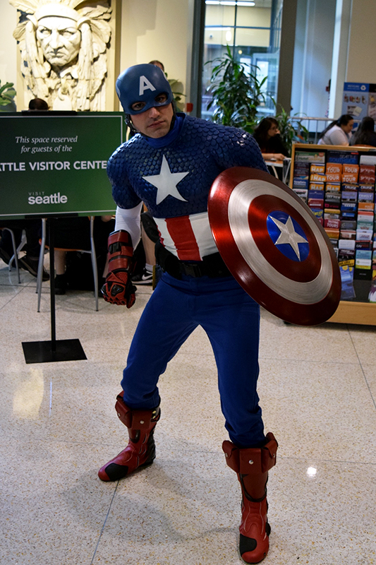 Emerald City Comicon 2016_Cap America_cosplay.jpg