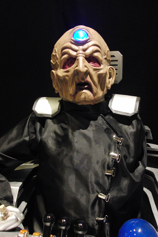 CONsole Room 2017_Davros Display_800