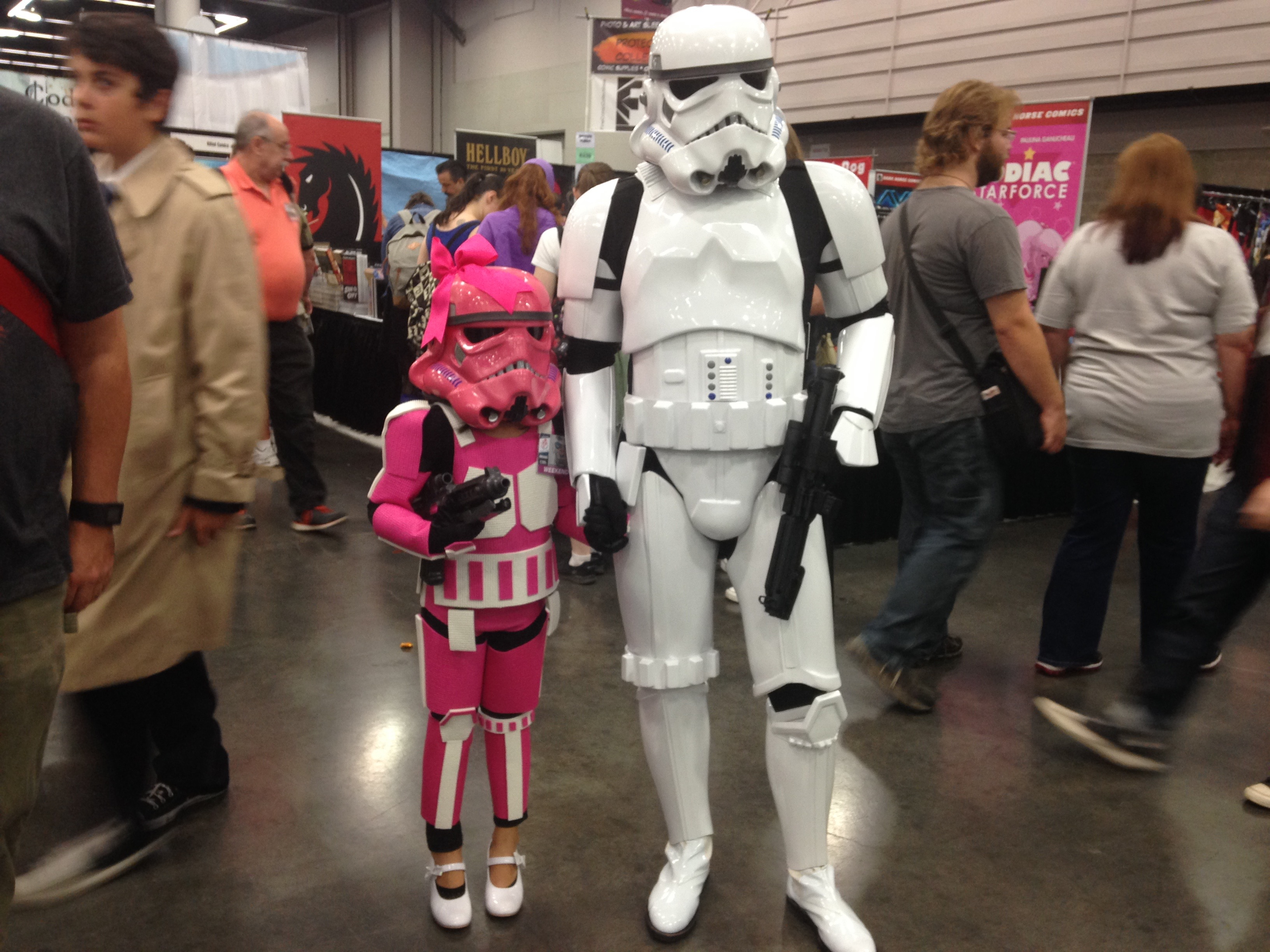 Rose City Comic Con 2015 Stormtrooper Family.jpg