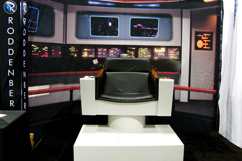 WonderCon 2016 Roddenberry Captain's Chair_800.jpg