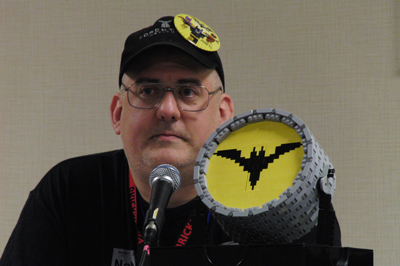 CONvergence 2017 Lego Bat Signal_800