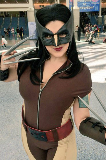 wondercon_cosplay_female_wolverine_600.jpg