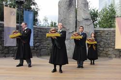 Wizarding World of Harry Potter Hollywood Hogwart's Choir_800.jpg