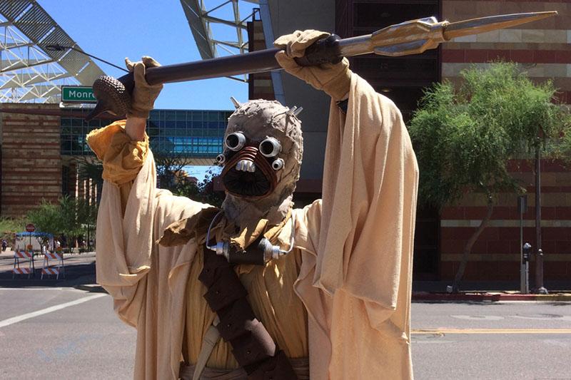 Phoenix Comicon 2015 Tusken Raider (1)_800.jpg