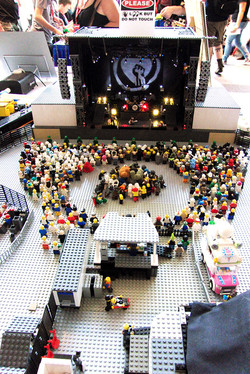 Denver Comic Con 2016 Lego Lollapalozza_800.jpg