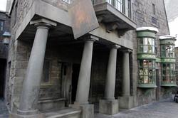 Wizarding World of Harry Potter Hollywood Hog's Head Pub_800.jpg