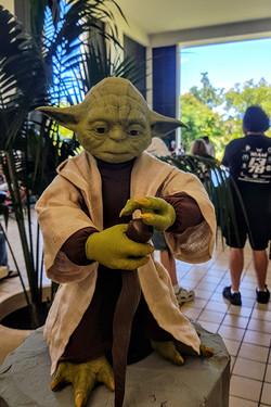 HawaiiCon 2017 Yoda statue_800