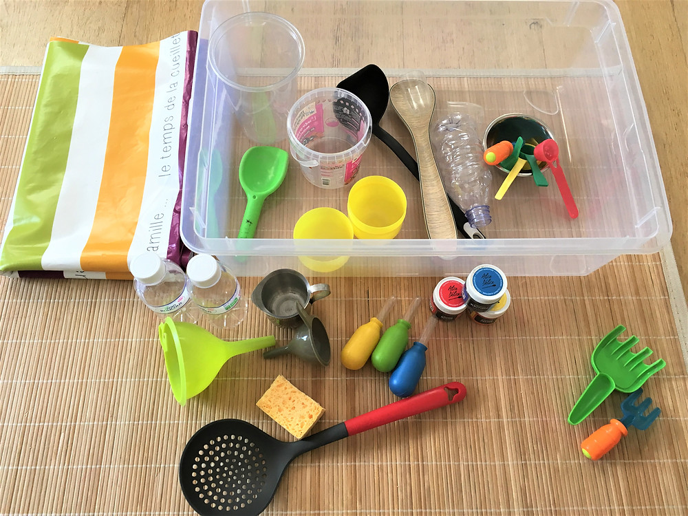 Matériel pour Atelier DIY Montessori : la Bassine et ses Outils
