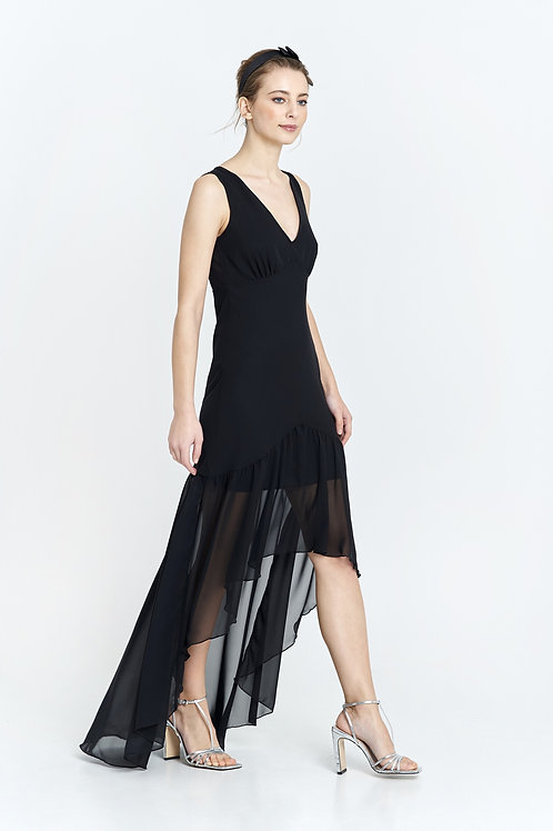 Vestido negro con abotonadura en espalda y cintura entallada