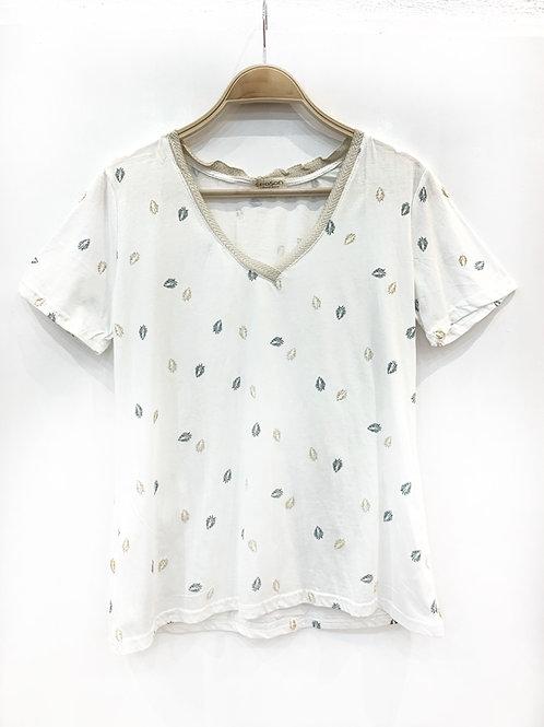 Camiseta blanca hojas