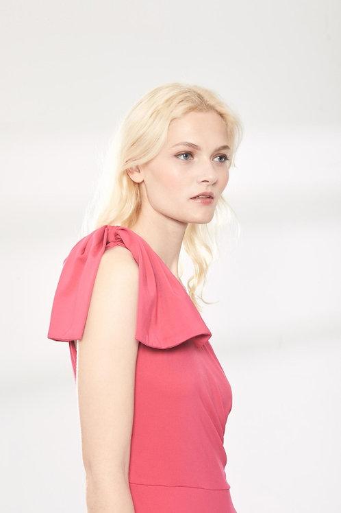 Vestido rosa asimétrico de punto con lazada