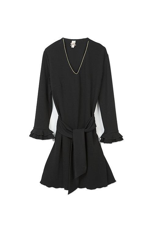 Vestido negro de crepe elástico con volante Nekane