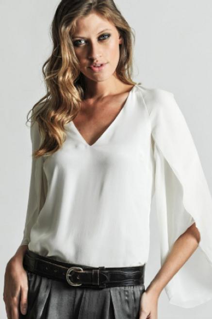 Blusa de seda con mangas tipo capa SAYAN