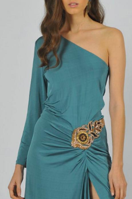 Vestido ajustado asimétrico con apertura lateral SAYAN