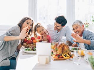A celebrar el Día de Acción de Gracias de manera segura