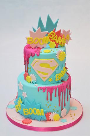 Super Girl drip cake