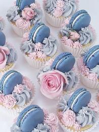 Macaron wedding cupcakes