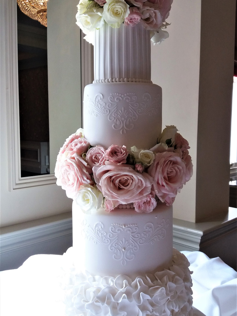 Romantic wedding cake.jpg
