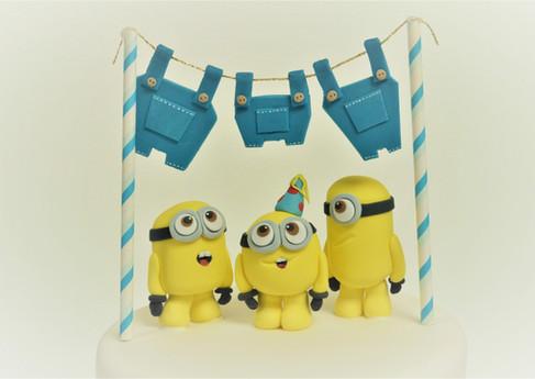 minions washing line birthday cake