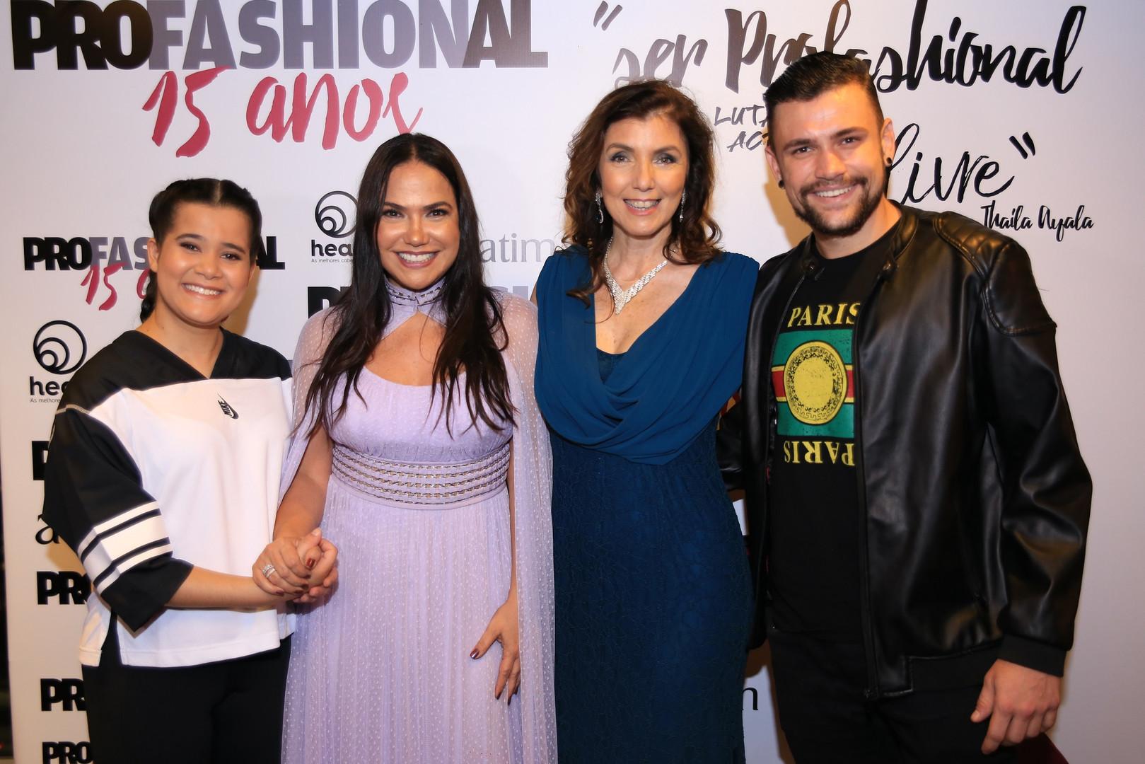 Veronica Hipolito, Sandra Teschener, Kik