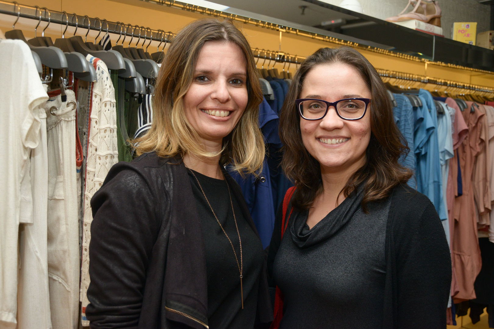 Vanessa Jaguski e Roberta Rodrigues (2).