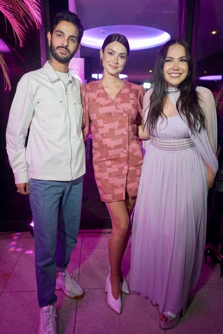 Andre Nicolau, Thaila Ayala e Sandra The
