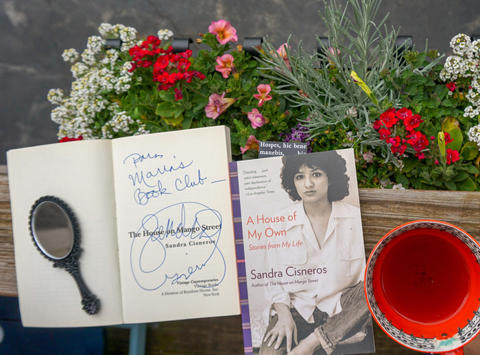 Життя за власною книгою. Sandra Cisneros в American Writers Museum .