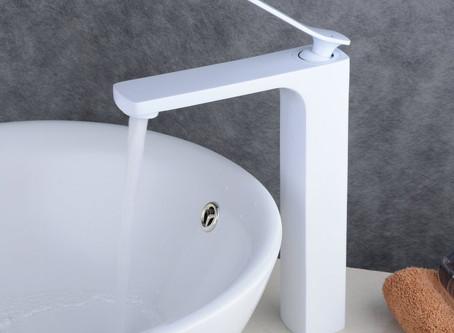 Grifos blancos para cocinas y baños
