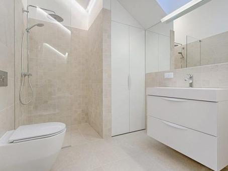 Más amplitud visual en un cuarto de baño pequeño
