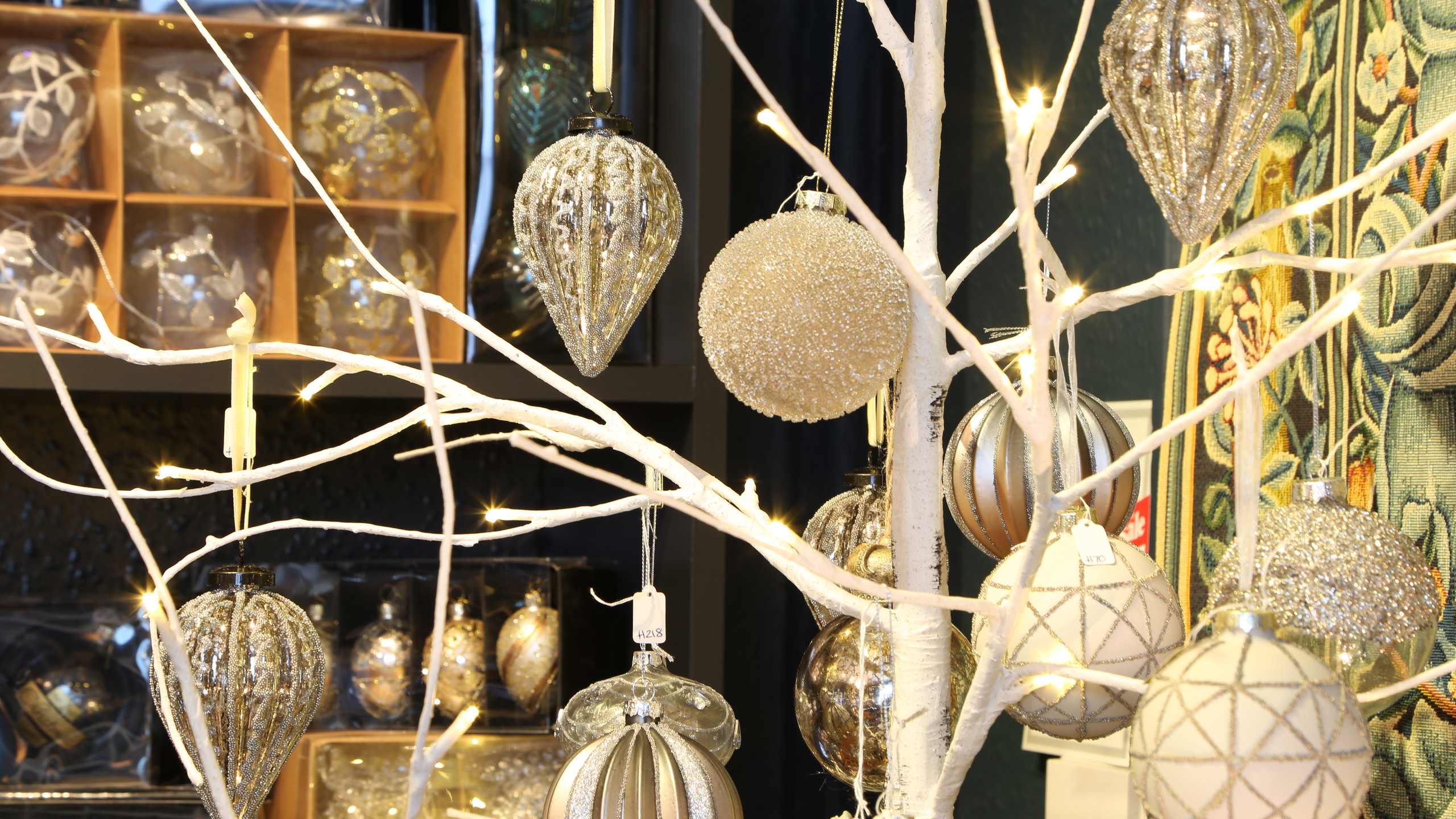 Enormous selection of decorations