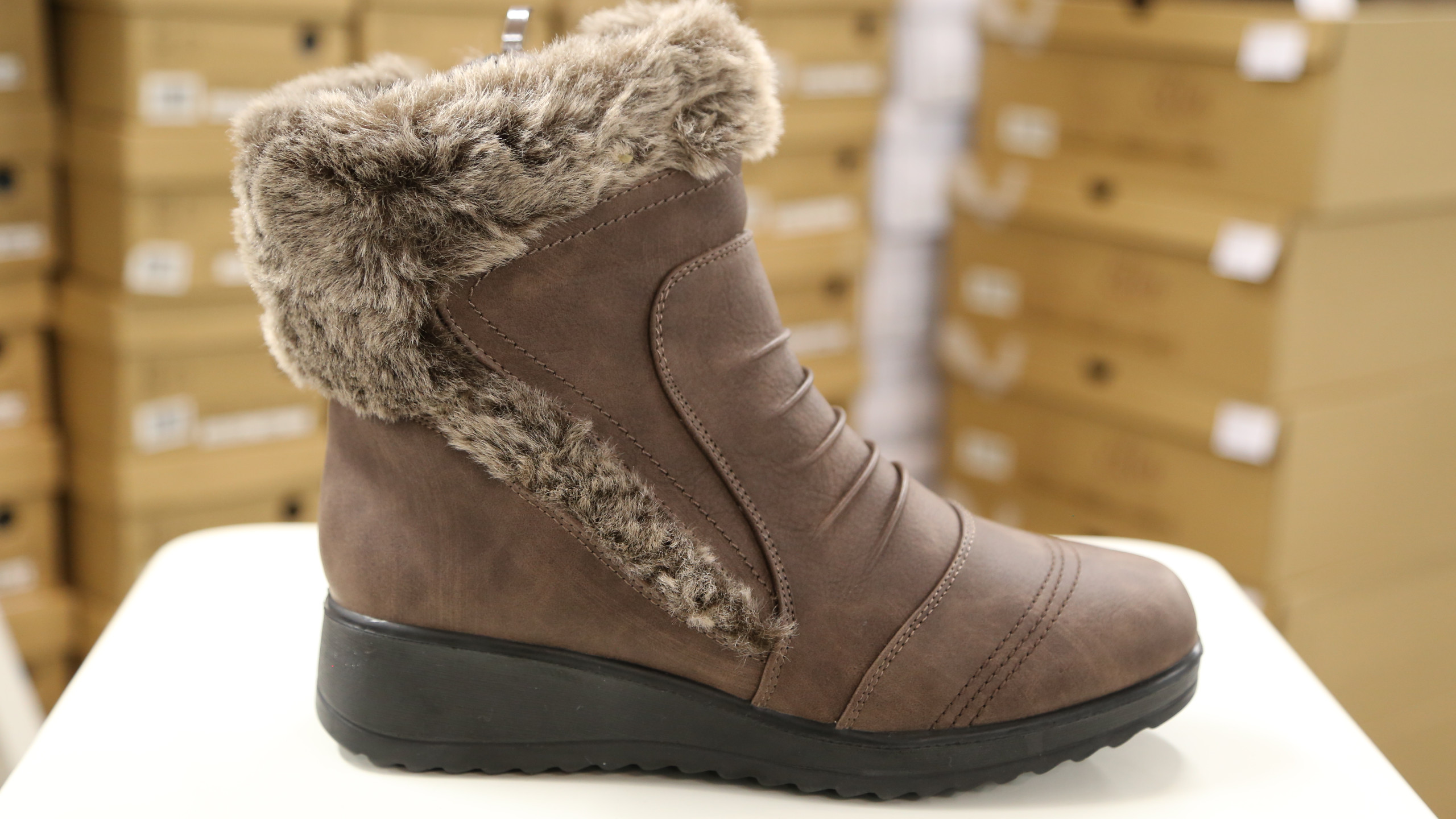 Brown winter boot