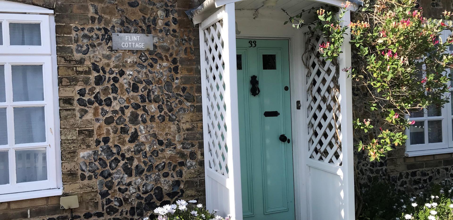 Flint Cottage: Entrance