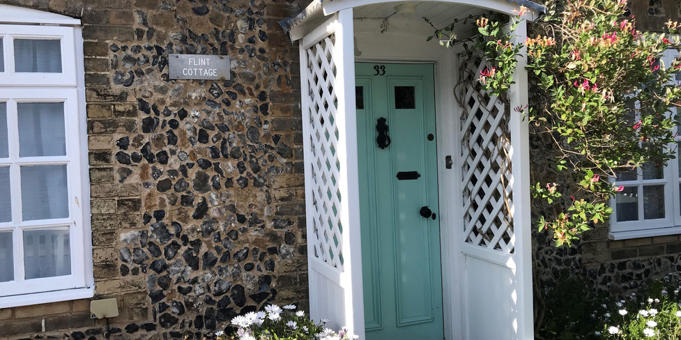 Flint Cottage: Entrance