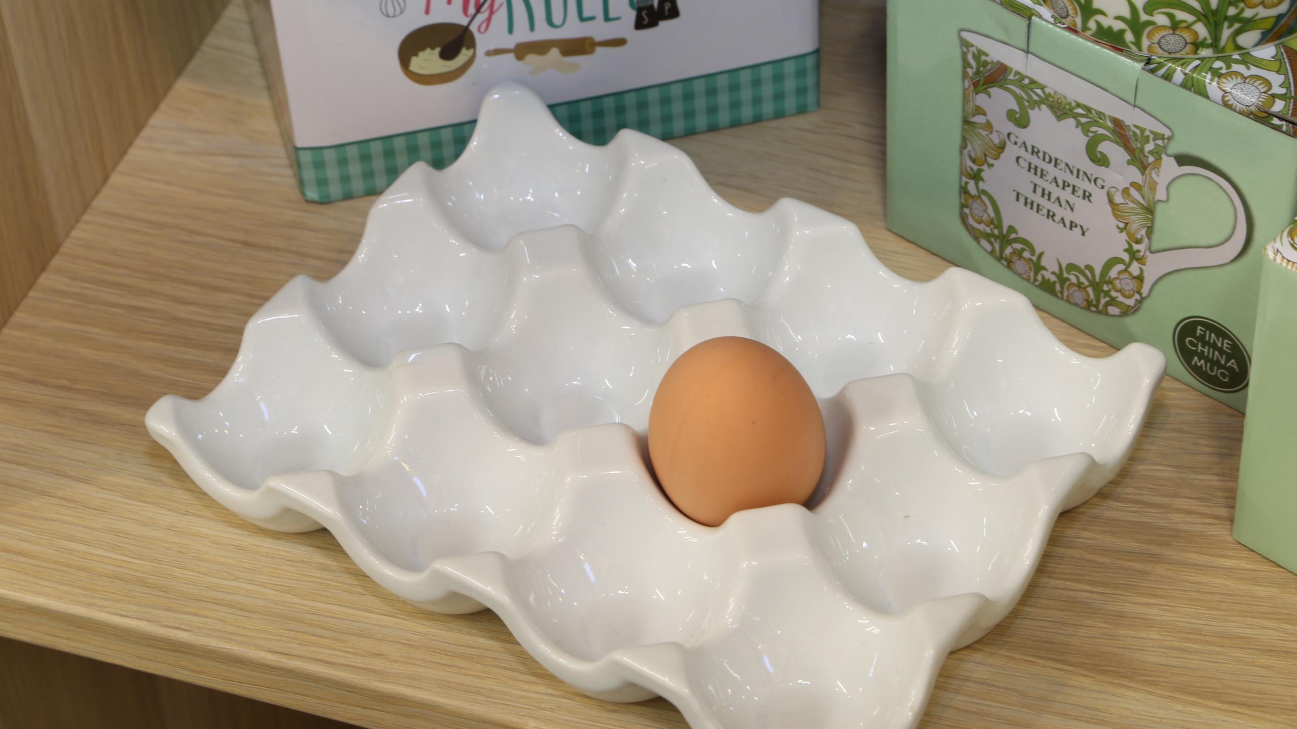 Kitchen ware egg tray