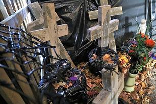 Halloween grave.jpg