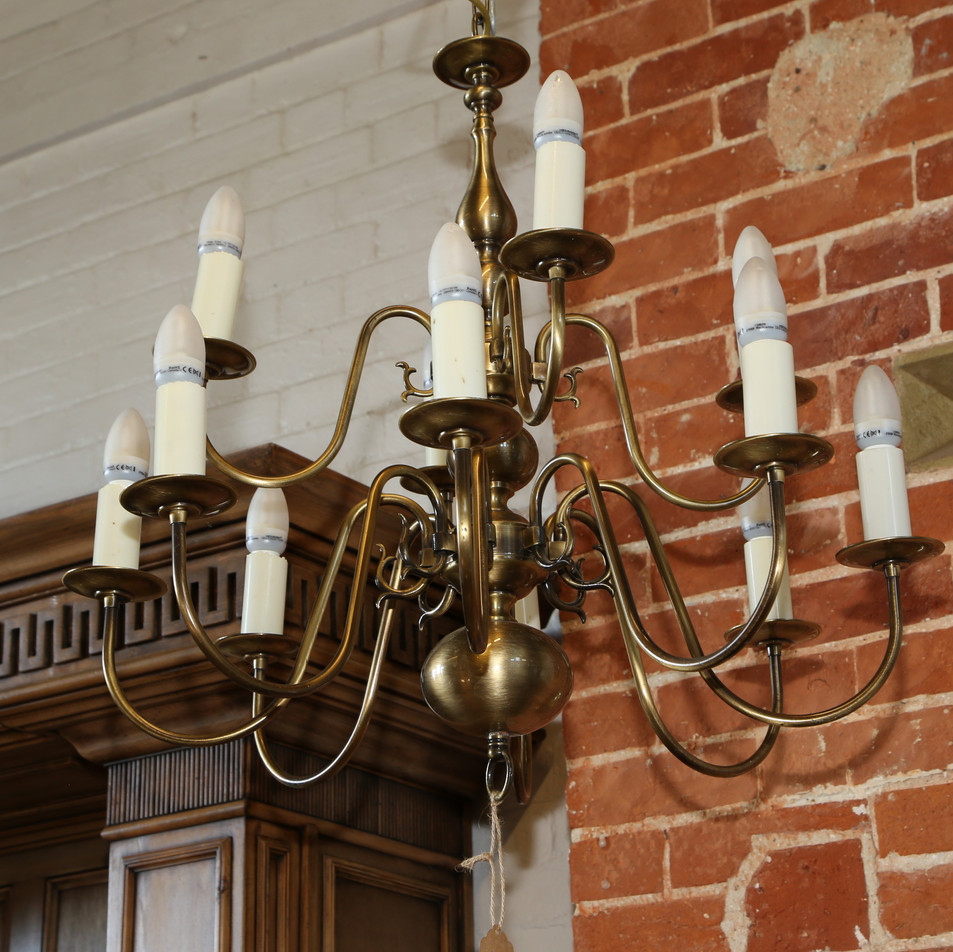 Candle style chandalier
