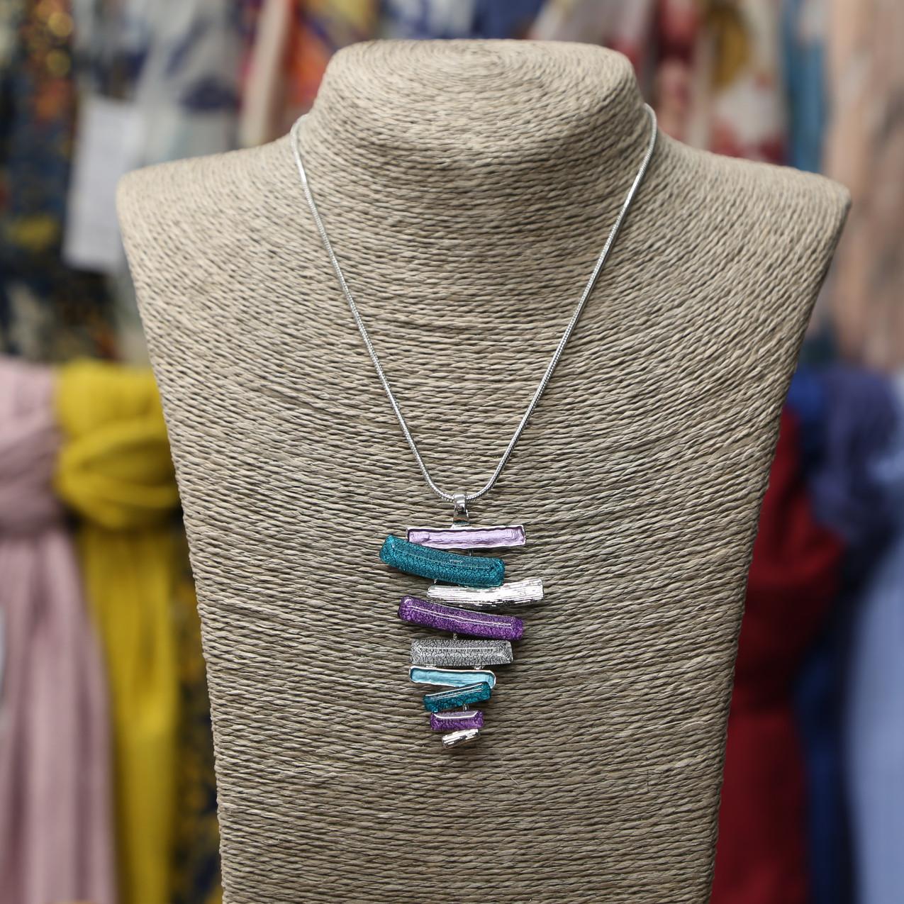 Patterned necklace