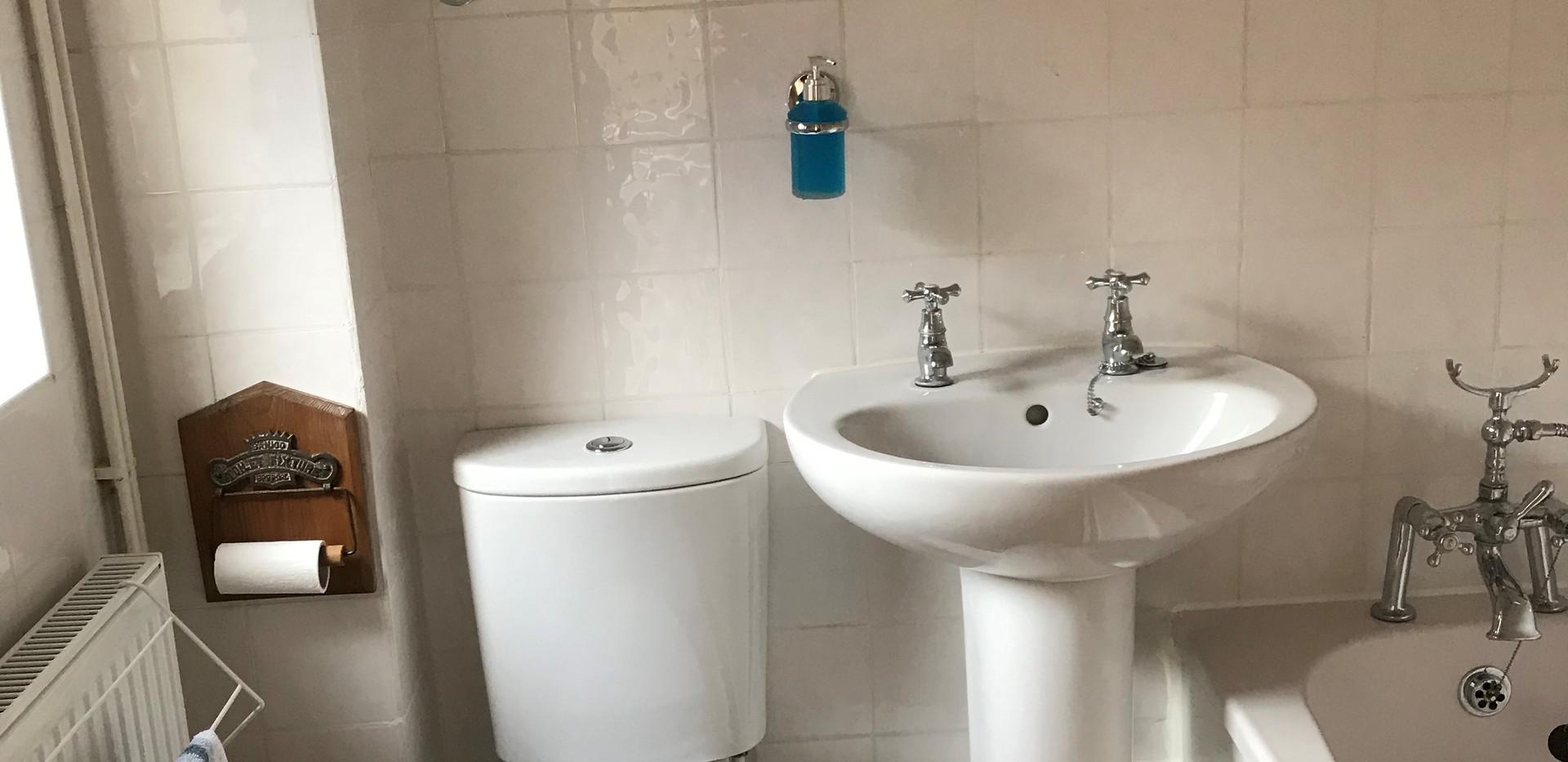 Flint Cottage: Bathroom