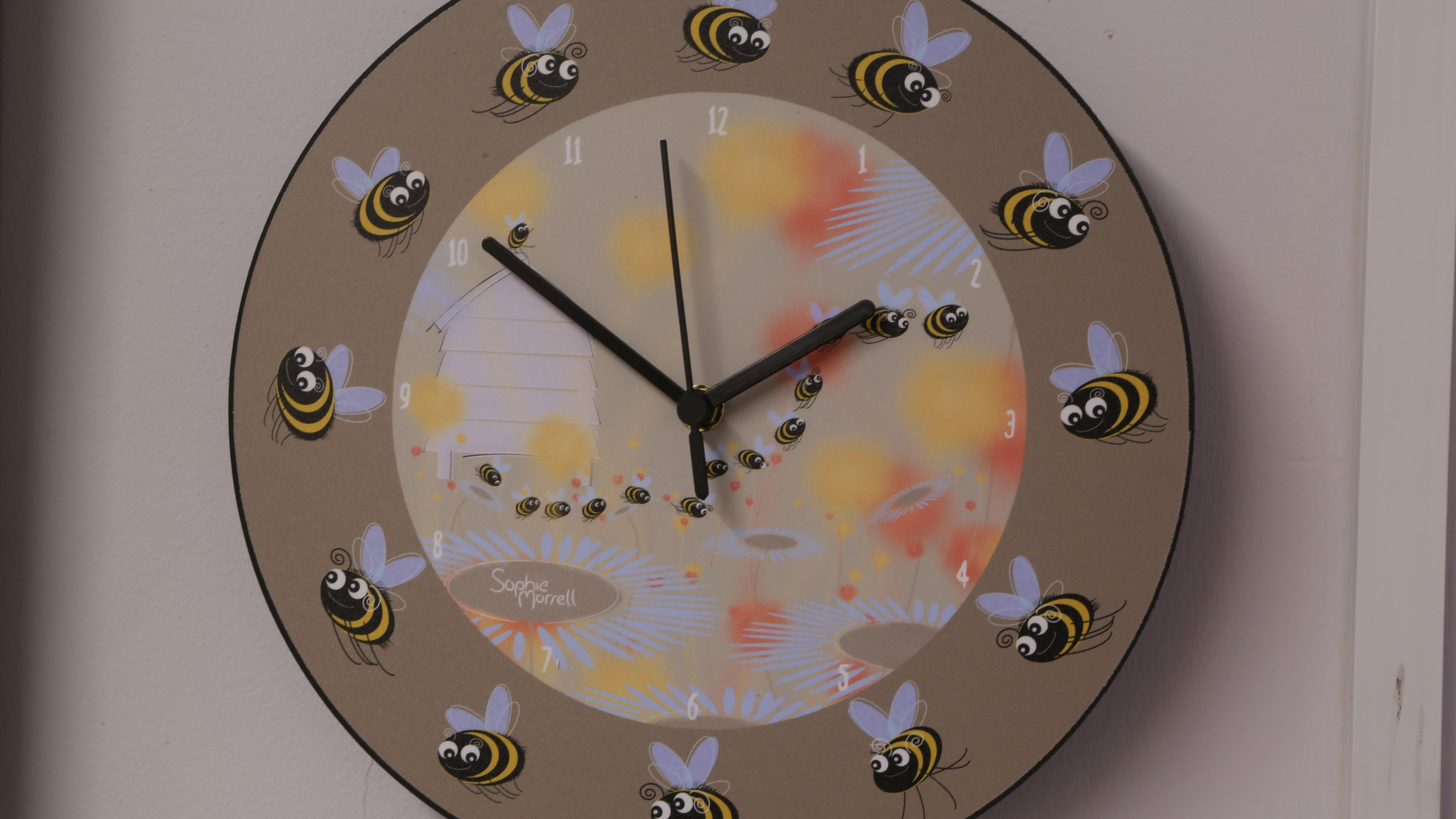 Clock for buzy bees