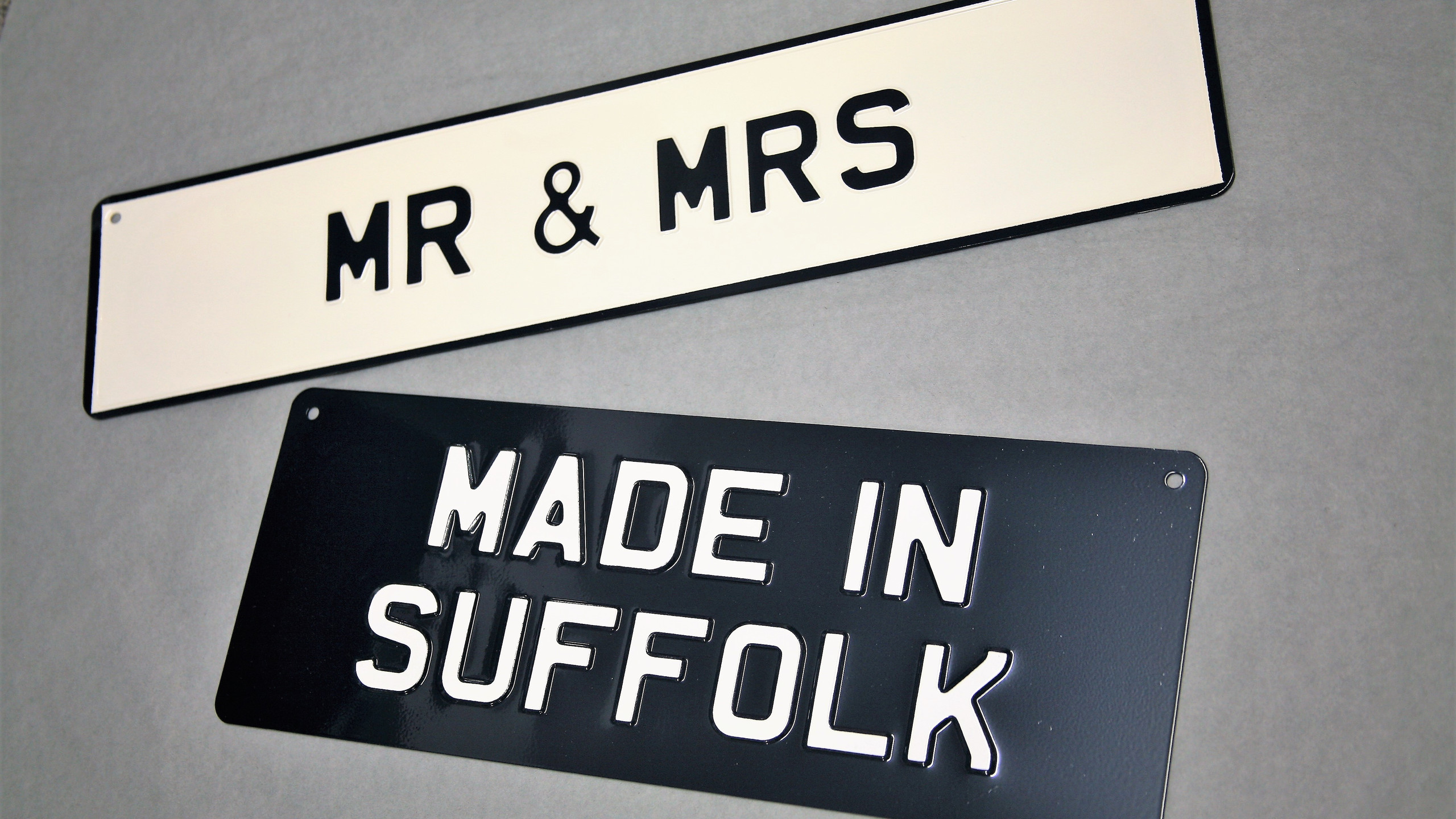 Traditional enamelled signs