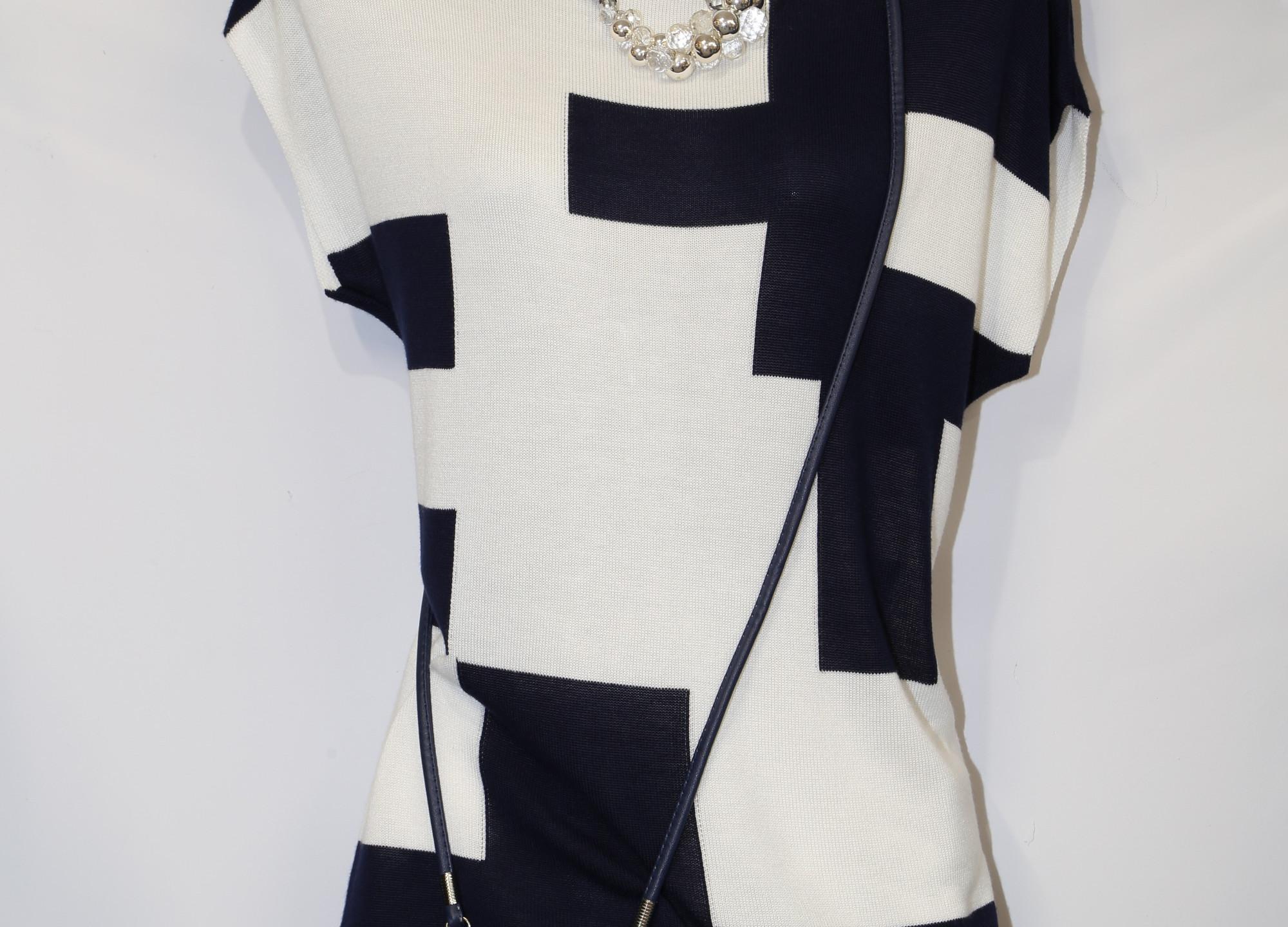 Stylish Monochromatic Dress