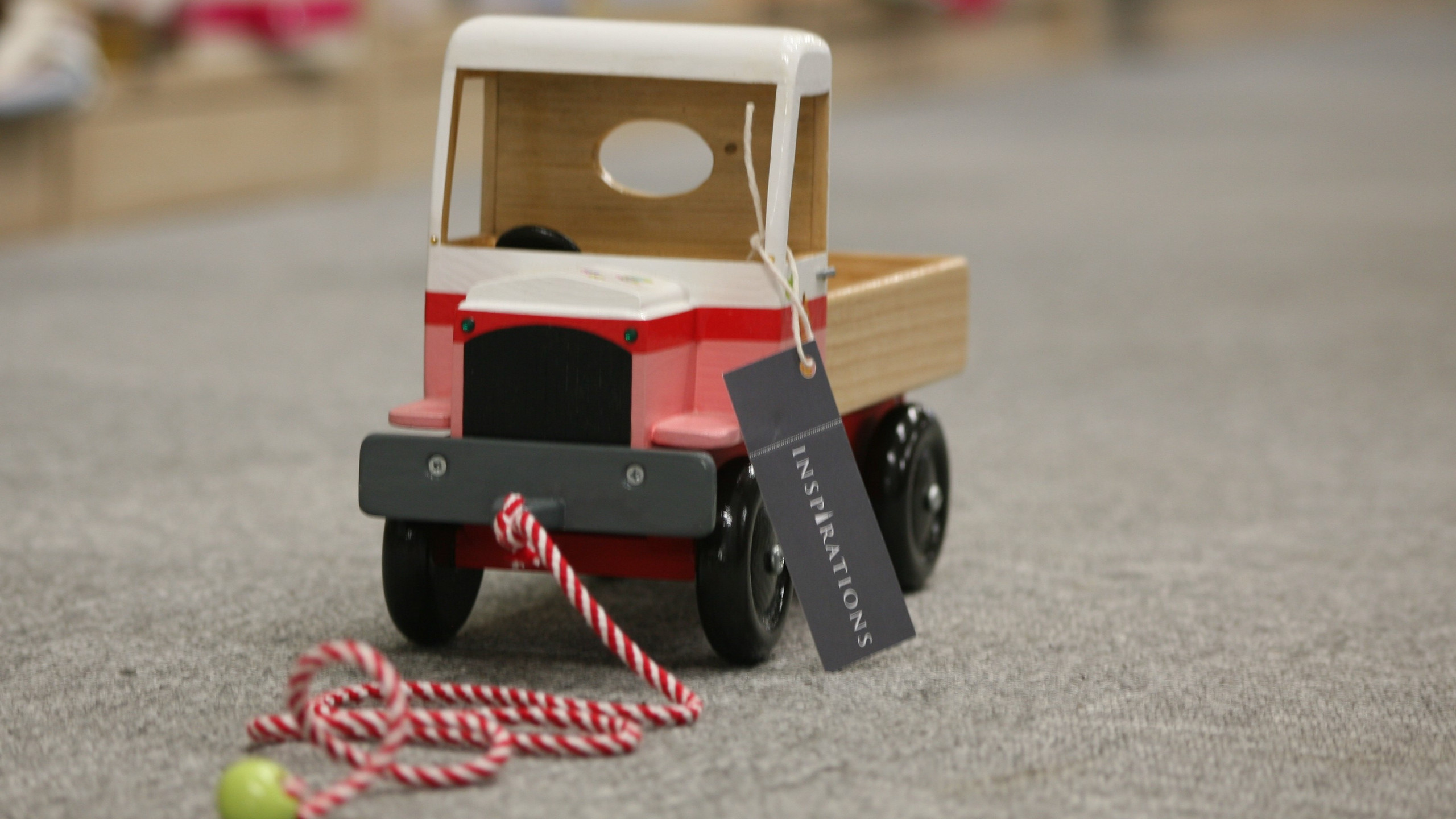 Little truck with rope